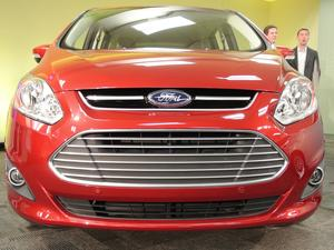 2013 Ford C-Max Energi Hybrid First Look (Video)