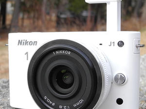 Nikon 1 J1 review: Quality in a Sexy Package (Video)