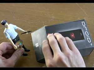 Motorola Droid 4 Unboxing (Video)