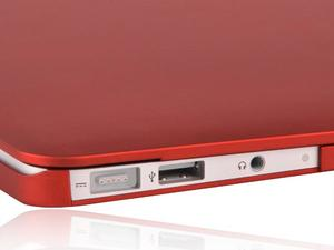 Lightweight Protection: Incipio Feather for MacBook Air