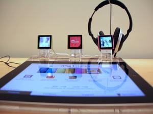 Buy an iPod Between 2006 and 2009? You're Now Part of a Class-Action Lawsuit