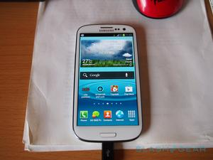 Samsung Galaxy S III Already Being Delivered to Some