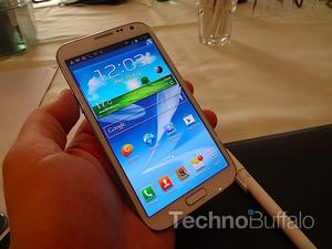 I Like Them Fat: The Galaxy Note II is Bold and Beautiful