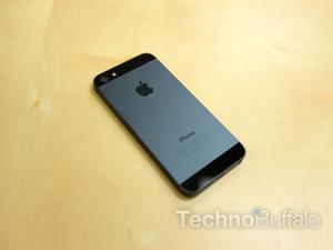 Nothing to See Here: Apple SVP Says iPhone 5 Scratching is Normal