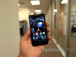 Motorola DROID RAZR HD Unboxing and Hands-On (Video)