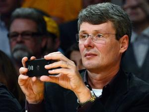 RIM CEO Captured Using BlackBerry 10 Courtside at Lakers Game
