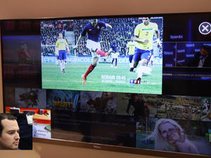 Haier TV with Vision Tracking Control First Look