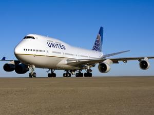United is First U.S. Airline to Offer Overseas Wi-Fi Via Satellite