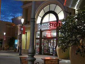 GameStop Sales Flat Ahead of Next Generation Console Launches