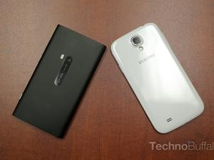 Samsung Galaxy S4 vs Nokia Lumia 920: PureView Tech Against Samsung Muscle (Update: New Picture Added)