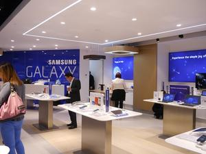 Samsung Forced to Close London Experience Store Following Declining Sales