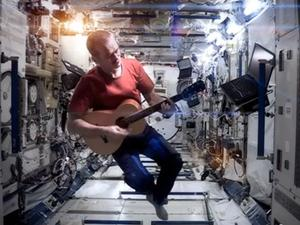"""Astronaut Performs David Bowie's """"Space Oddity"""" From Actual Space"""