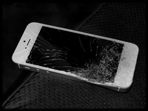 Apple to Blame for Insanely High iPhone 5 Repair Costs
