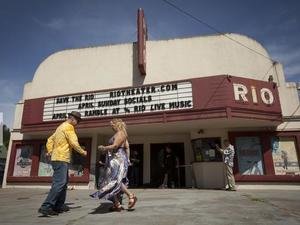 Small Movie Theaters Get Creative to Fund Digital Cinema Transition