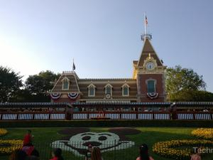 Disneyland upgrades Fastpass system: Disney MaxPass puts passes on your phone