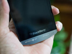 BlackBerry P'9982 Spotted at FCC with AT&T LTE Support