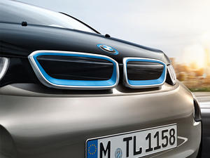 BMW thinks it can make a self-driving car by 2021