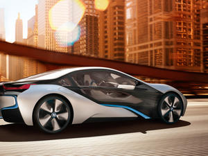 TechnoBuffalo's Driven: BMW i8 Concept is A Gas-Electric Supercar