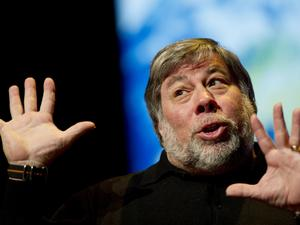 "Woz on Smartwatches: Samsung Galaxy Gear is ""Worthless"""