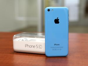 iPhone 5c Unboxing: Now With A Splash of Color