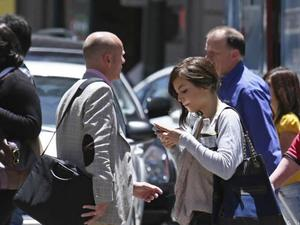 "Study Confirms Texting and Walking Affects ""Gait Performance"""