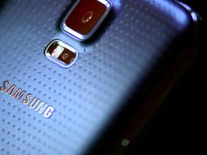 First Galaxy S5 and Gear 2 Commercials Air