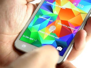 Galaxy S6 Said to Sport Redesigned Fingerprint Reader