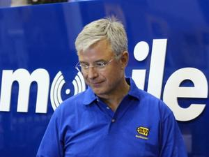 Best Buy CEO: Tablet Sales Crashing, PC Business Sees Revival
