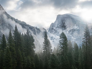 5 Beautiful New OS X Yosemite Wallpapers Available To Download