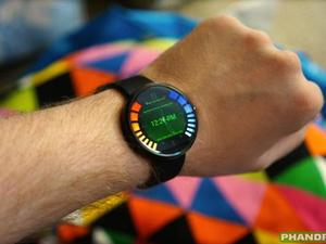 Recognize the UI on this Moto 360? It's from GoldenEye 007!