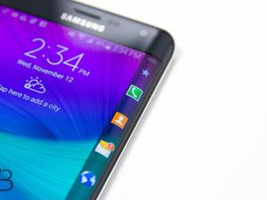 Samsung Galaxy Note Edge First Impressions: Gimmicky or Useful?