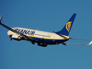 Ryanair Plans to Stream Movies Straight to Your Smartphone