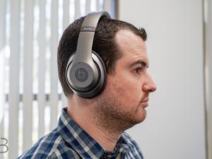 Beats Studio Wireless review: Slick, comfortable, but worth the price?