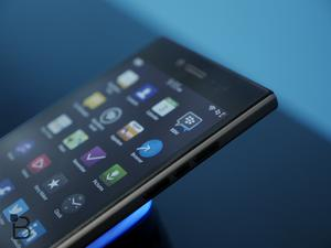 BlackBerry Leap hands-on video — Not really leaping anything