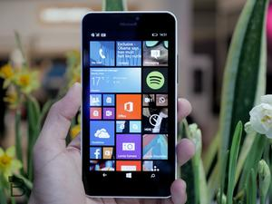 Lumia 640 XL hands-on video: A look at Microsoft's huge new phablet