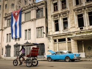 Sprint opens up prepaid service to Cuba (Updated)