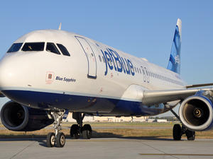 Amazon Prime subscribers can now stream movies, music on JetBlue flights