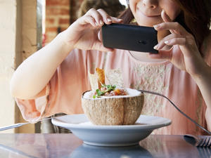 Google's new weapon against Yelp is your food photos