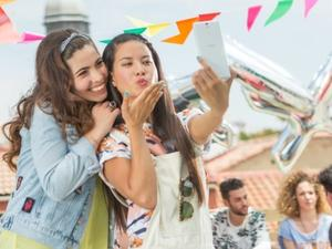 """MasterCard to rollout """"selfie pay"""" option this summer"""