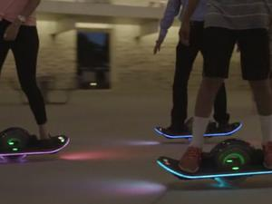 """Kickstart this one-wheel """"Hoverboard"""" with built-in speakers and lights"""