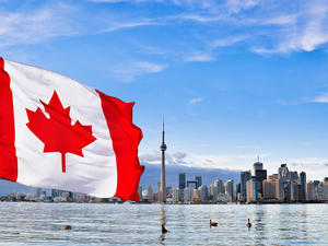 Apple Pay debuts in Canada, is severely limited at launch