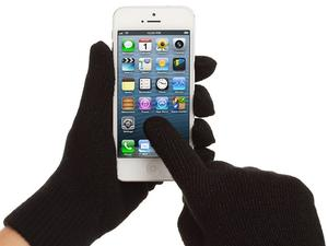 Apple working to make iPhone screen compatible with gloves