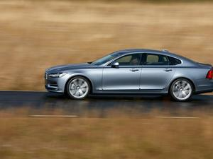 2017 Volvo S90 first to offer semi-autonomous features as standard