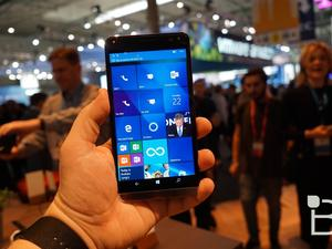 HP blames Microsoft for backing away from Windows phones