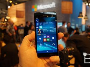 Windows 10 Mobile Creators Update begins its phased rollout