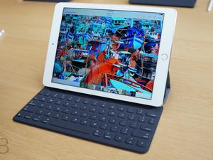 Apple launches international Smart Keyboards for iPad Pro