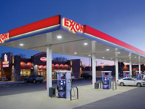 You can now pay for gas at ExxonMobil using Apple Pay