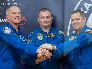 Three astronauts launch to ISS tonight - Here's when to tune in