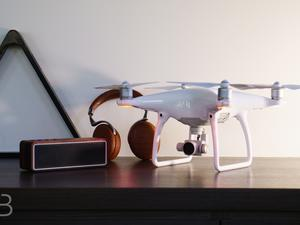 Cool Tech: DJI Phantom 4, LIFX bulbs and more