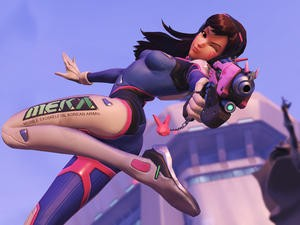 Blizzard worked with Treyarch to create Overwatch's aim assist on consoles